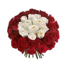 Buchet 11 trandafiri albi si 26 trandafiri rosii